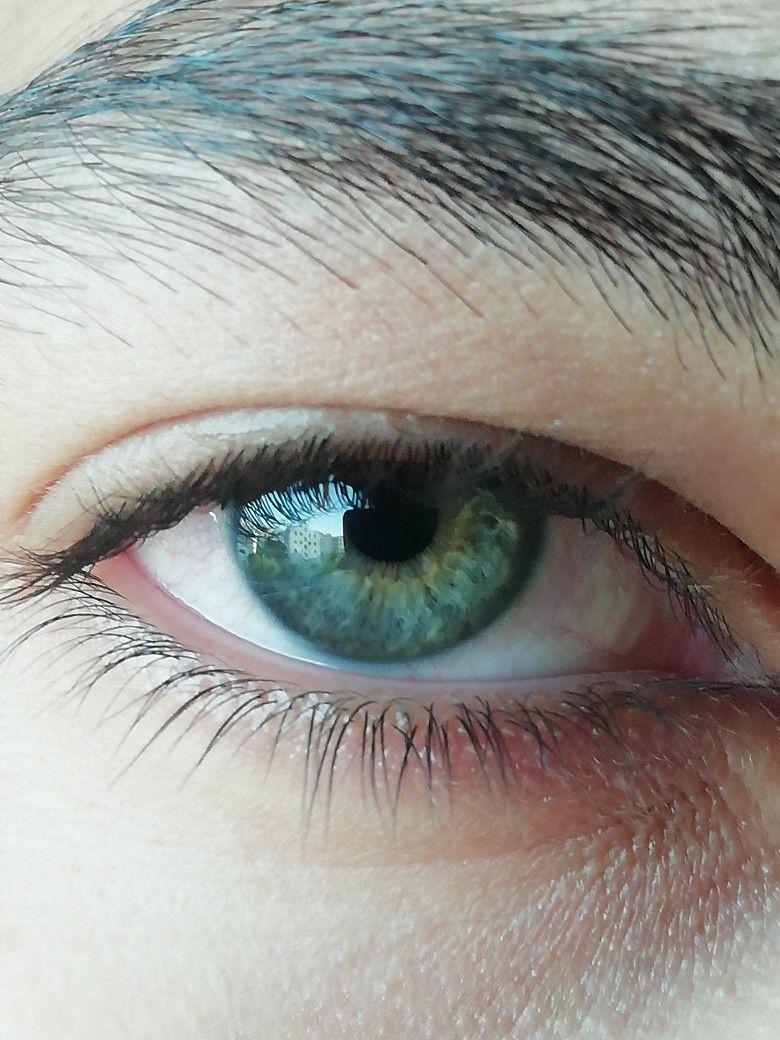 عيون روعة عيون زرق