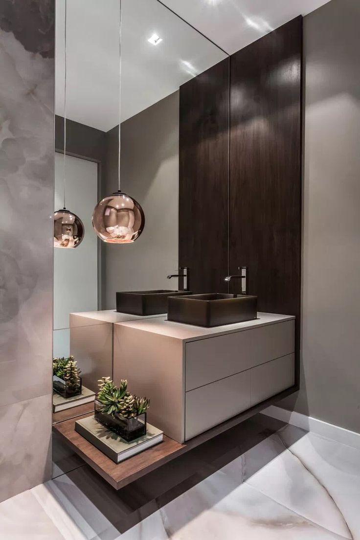 Ein wunderschön warmes und schickes Badezimmer. Hotel. Gemeinschaftsraum. Home Decor #smallbathroomremodel