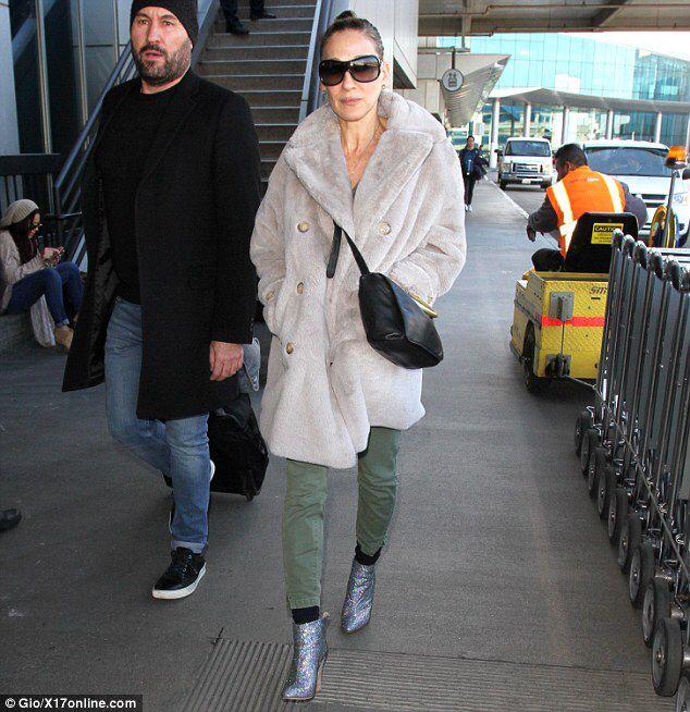 Sarah Jessica Parker dons grey coat
