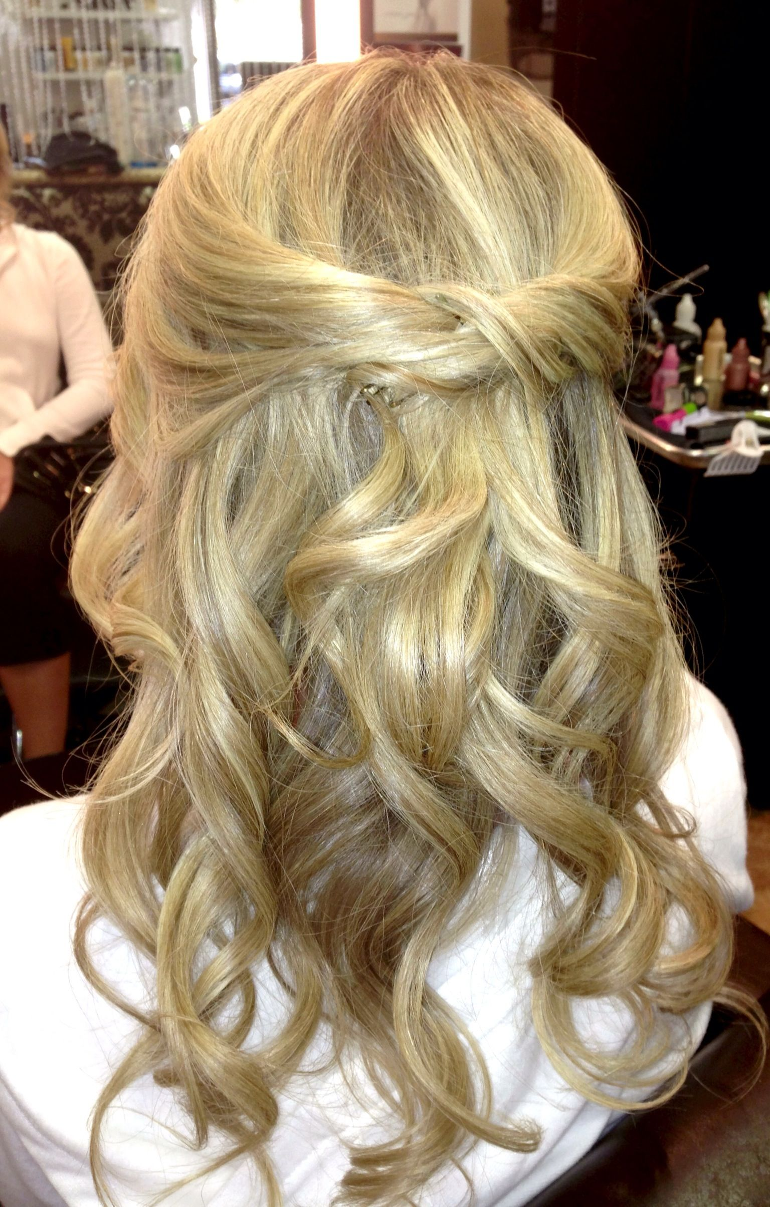 half up half down loose curls hairstyling for this beautiful