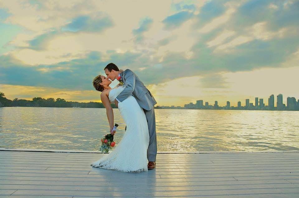 Beautiful Toronto skyline wedding photo!  Photo cred: justphotography.ca