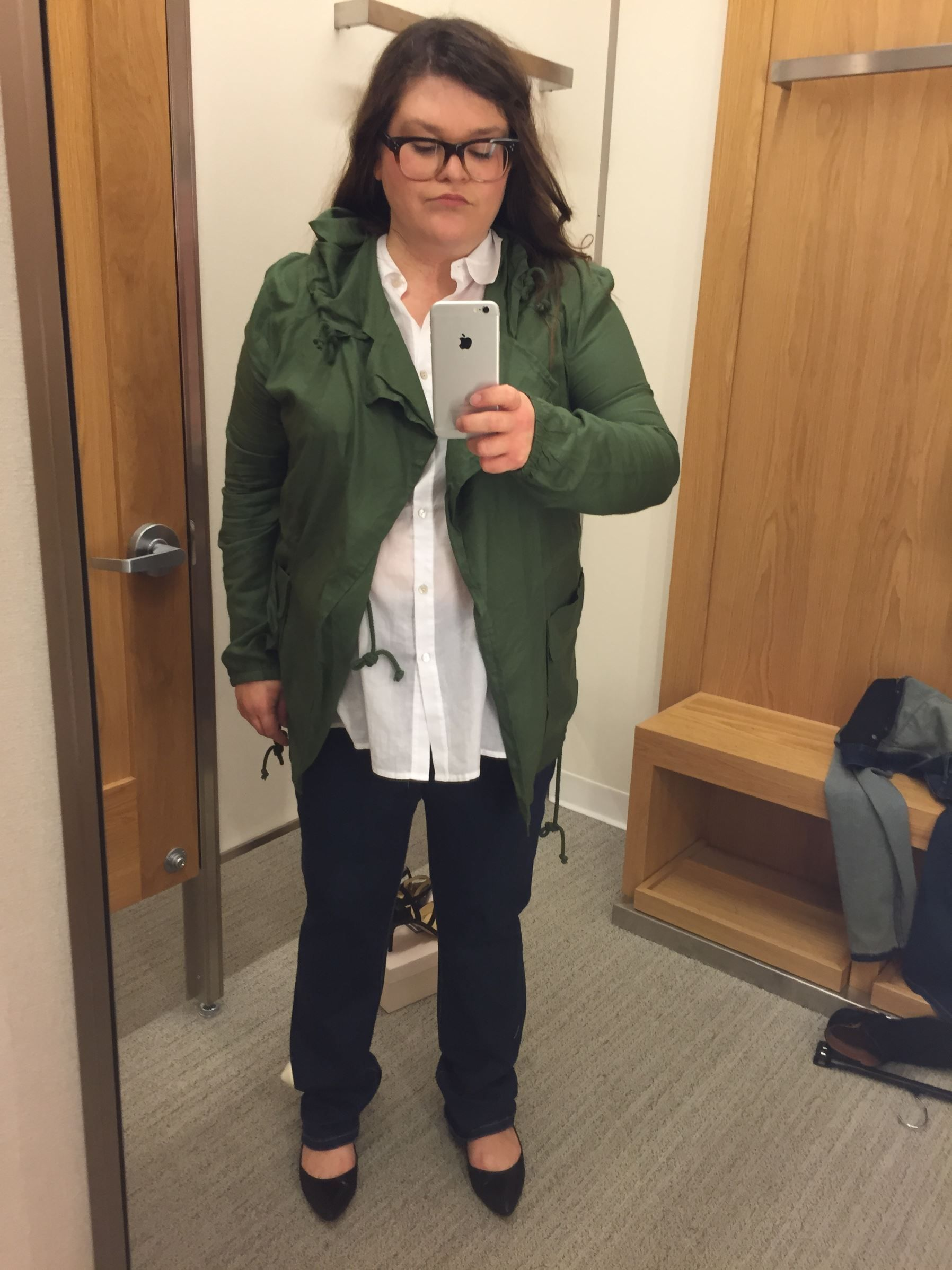 4a733ffa38b Size 16 Woman Asks 5 Stylists to Dress Her in  Flattering  Outfits ...