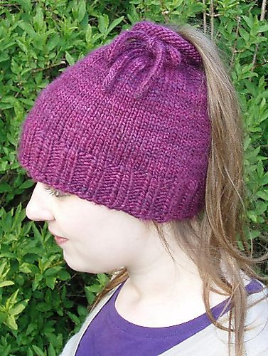 Free Knitting Pattern for Tea Cozy Ponytail Hat - This quick 3cd508c9021