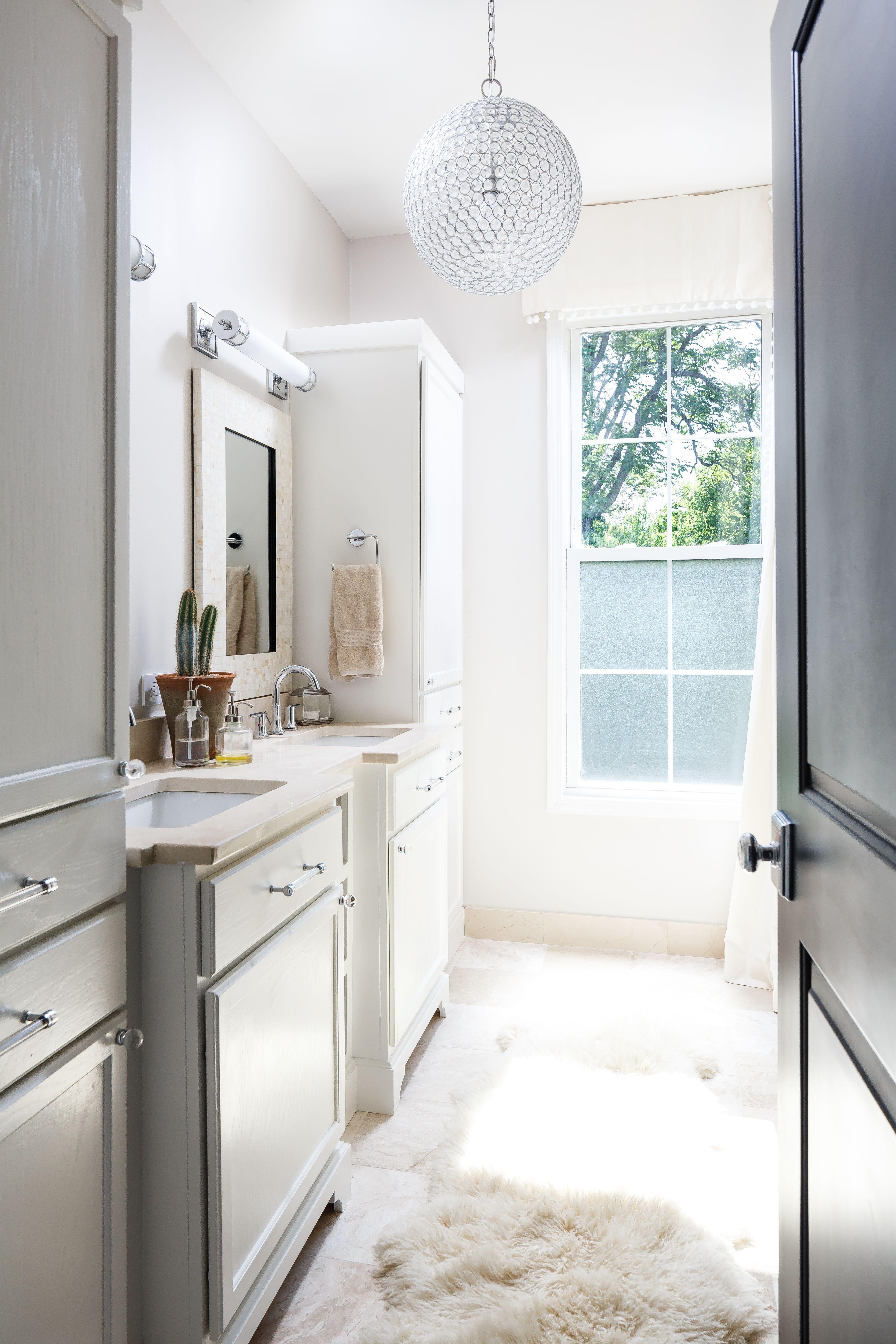 Bethany Adams Interiors | Serene Master Bathroom © 2016 RealTourCast | Tim  Furlong Jr.