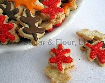 CROWN SUGAR COOKIES, 12 Decorated Sugar Cookies #halloweensugarcookies