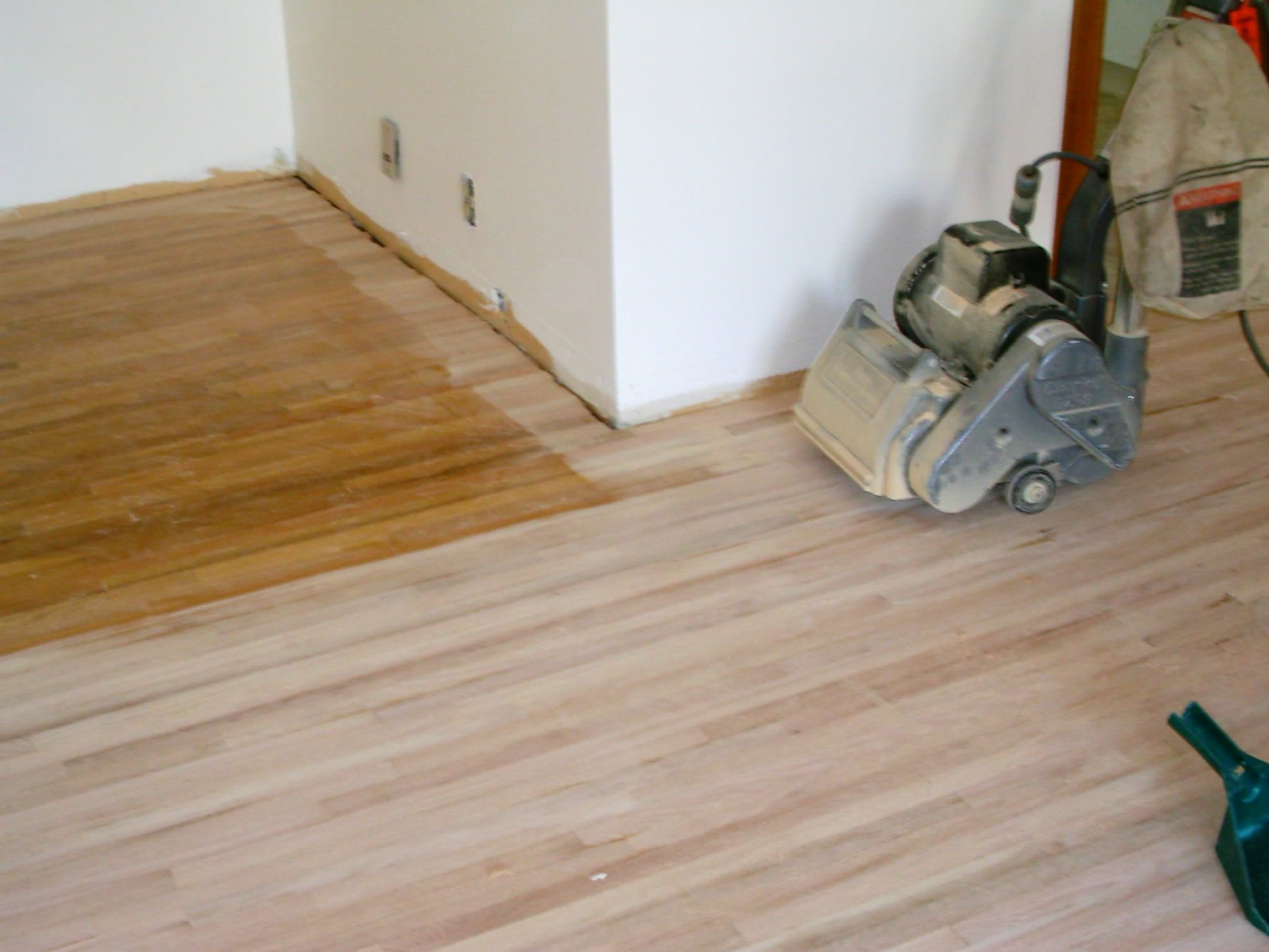 Stripping wood floors without sanding httpdreamhomesbyrob sanding hardwood floors when shopping for do it yourself or pre finished hardwood flooring do you understand which type of solutioingenieria Gallery