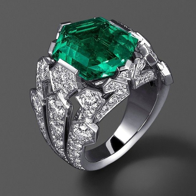Cartier Hexagonal Emerald Ring Ring in platinum, an hexagonal emerald from the old Columbian mines weighing 7.75 carats and diamonds. At the 25th Biennale des Antiquaires in Paris,2010.