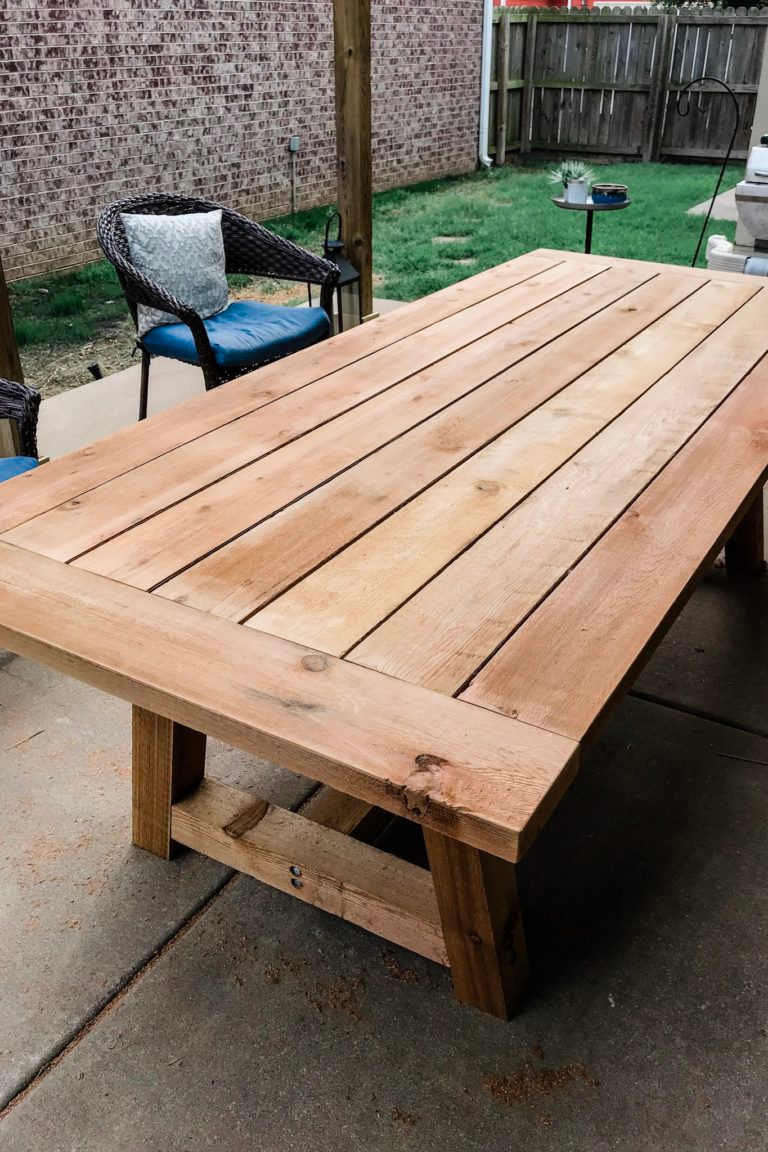 Diy Outdoor Dining Table Restoration Hardware Dupe Thrifty Pineapple In 2020 Diy Patio Table Diy Outdoor Table Outdoor Dining