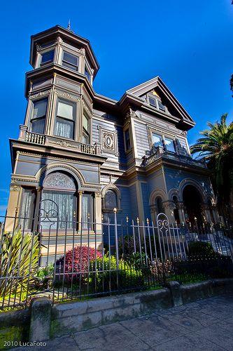 """that house is screaming my name....""""Maaaaaaarrrrryyyyyy!"""""""