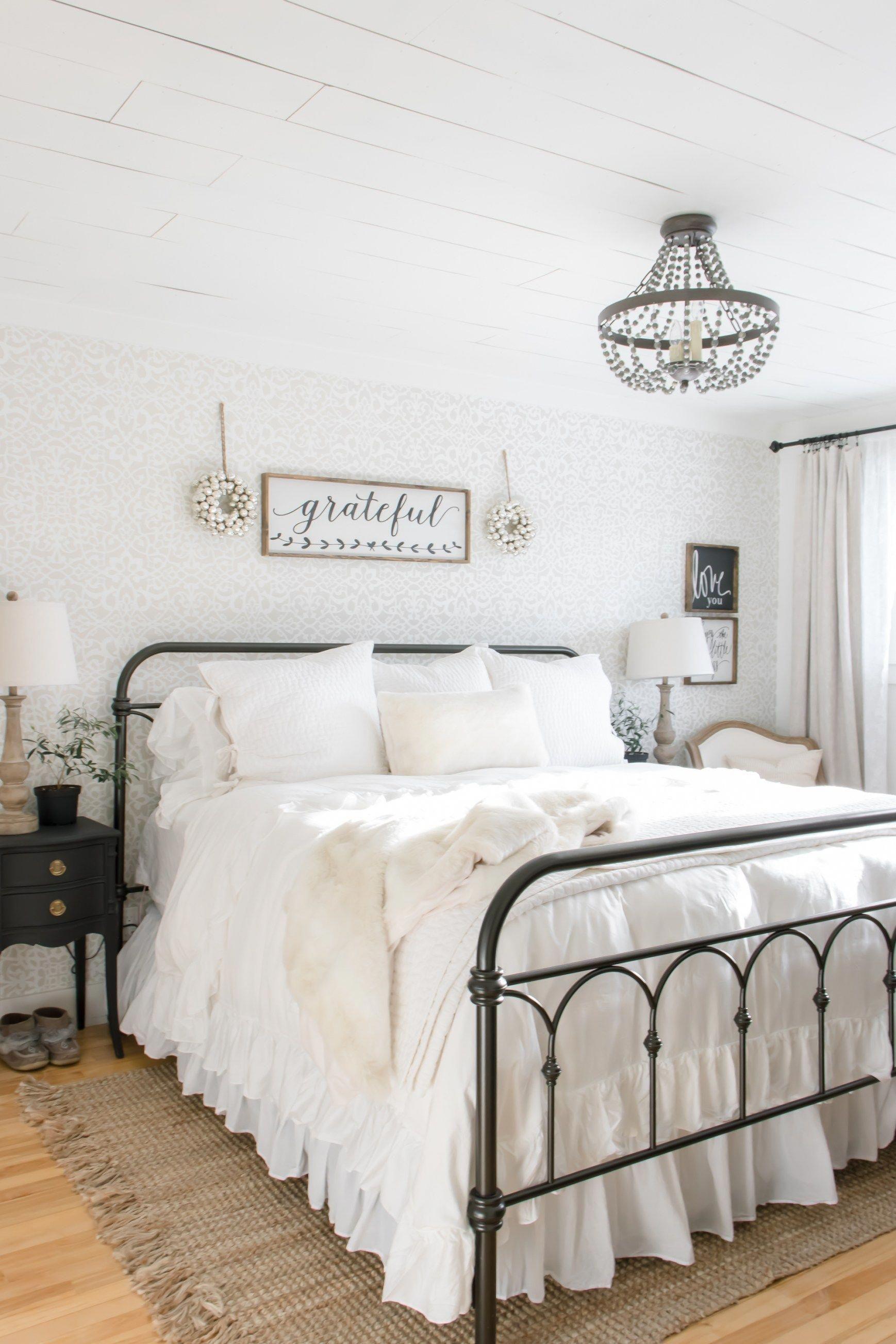 bedroom decorating ideas antique furniture ...