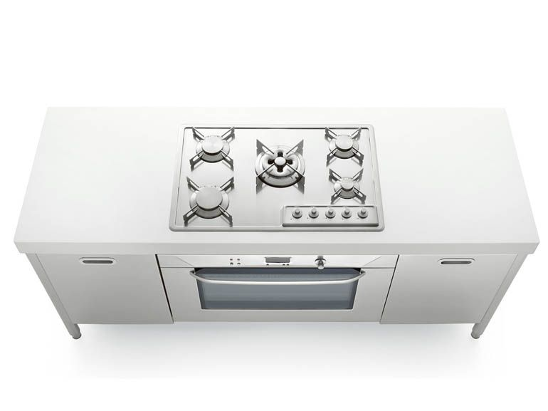LIBERI IN CUCINA Kitchen unit with hobs by ALPES-INOX design Nico ...