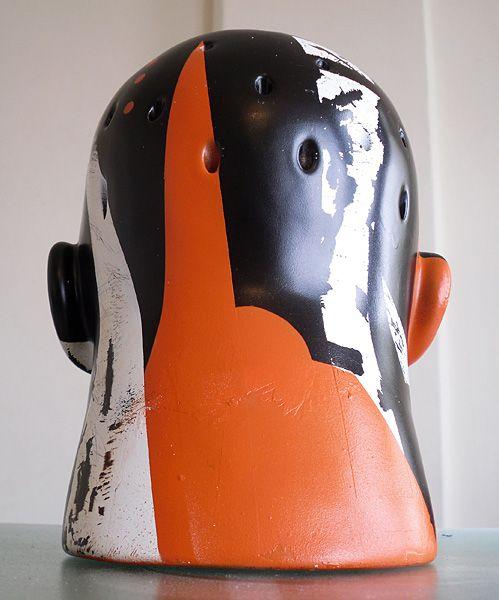 """MR > HEADS by Visca : Variação da série """"Mutação e Recorte"""" produzida especialmente para o projeto """" Intervenção Urbana"""" da Tamarindo Concept. Tinta Spray, free-handmade masks sobre cerâmica.    Variation of my series """"Mutation and Cut"""" produced especially for the project """"Urban Intervention"""" by """"Tamarindo Concept"""". Spray Paint, masks free-hand on ceramic. >>>"""