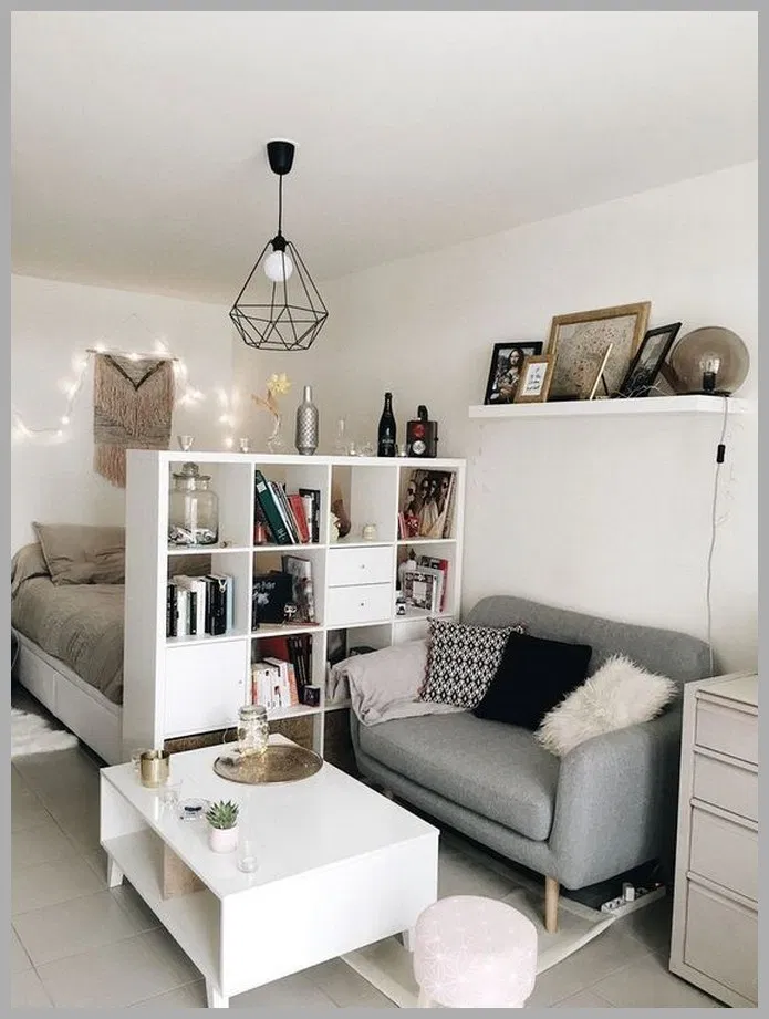 25 Simple Small Bedroom Storage Ideas And Wall Storage Inspiration Smallbedrooms Small Apartment Decorating Apartment Living Room Studio Apartment Decorating