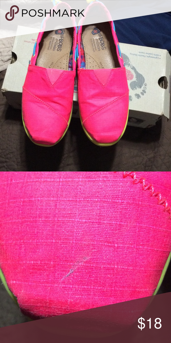 Bobs for girl Super cute girls bobs neon colors pink & yellow, scratch on right shoe on the front as shown in picture Sketchers lil bobs  Shoes