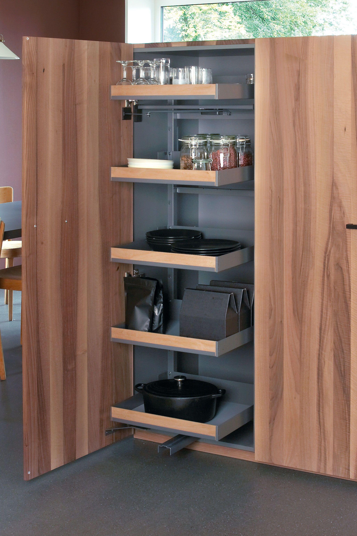 hochschrank und küchenschrank mit frontauszug für die