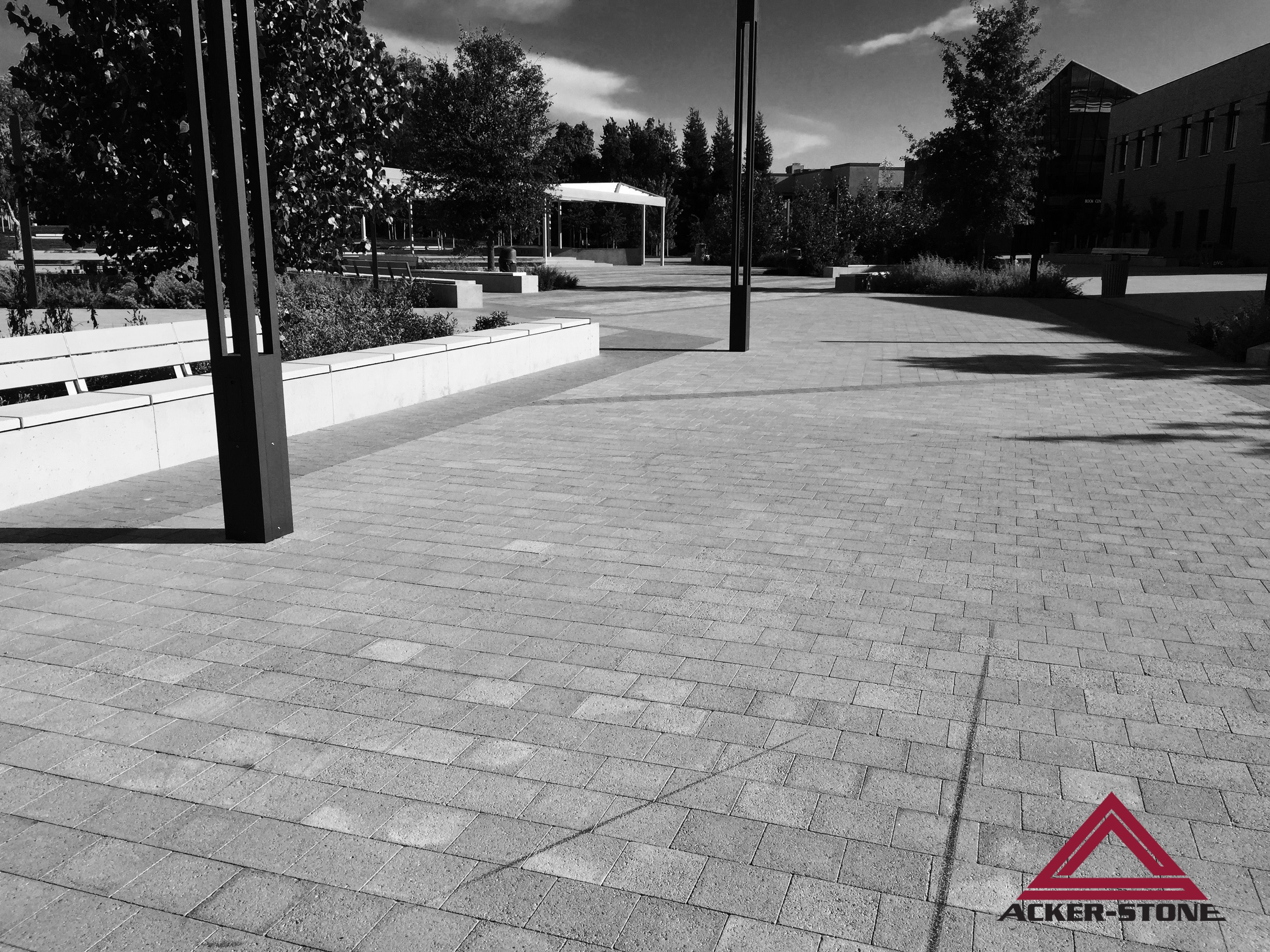 Check Out This Beautiful Project With Our 8 X 8 No Chamfer 8cm Color Diablo Blend Tm With A Shotblast Finish 6 X 6 No Chamfer Tm Pavers Beautiful Structures