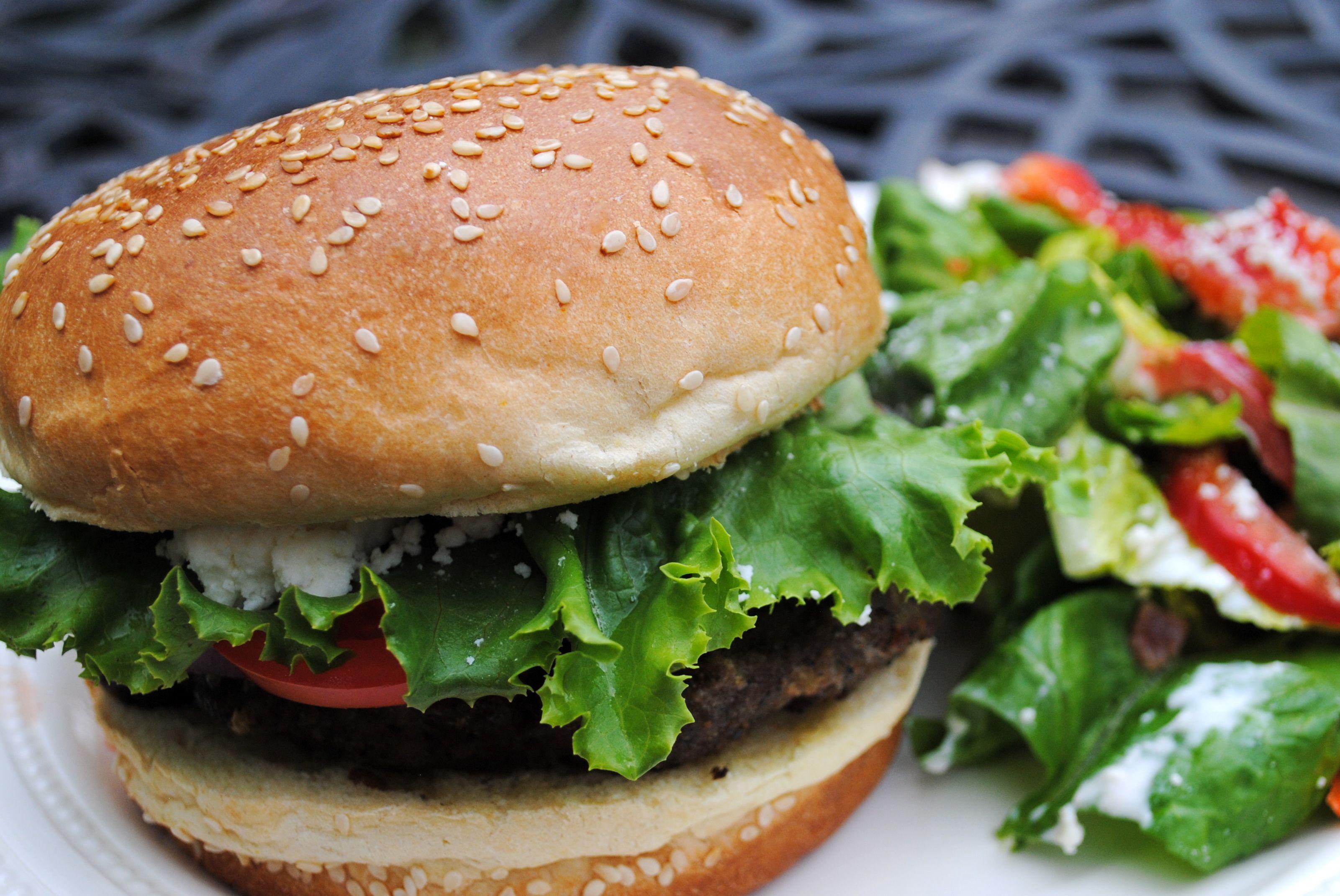 pesto cheeseburger