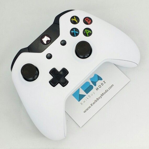 A Matte White Xbox One Controller from www KwikBoyModz com with