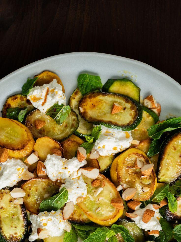 Rezept: Zucchinisalat mit Ricotta, Mandeln und Minze | ABOUT FUEL