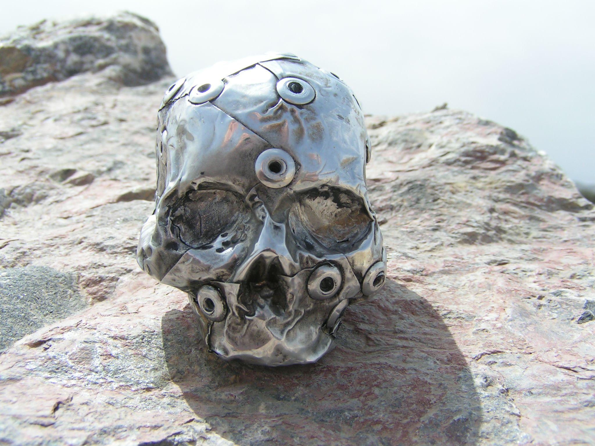 Mini Metal Skull Sculpture
