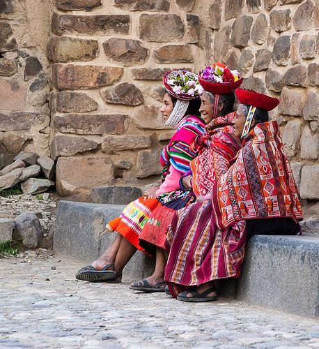 Peru - Sacred Valley - Ollantaytambo Food and Souvenir Market
