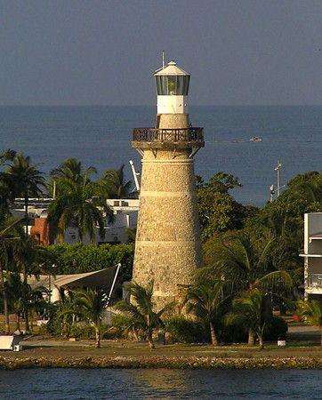 Castillo Grande Lighthouse - Cartagena