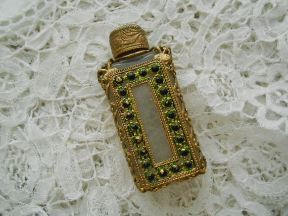 1930's perfume bottle for the collector by Nkempantiques on Etsy, €24.00