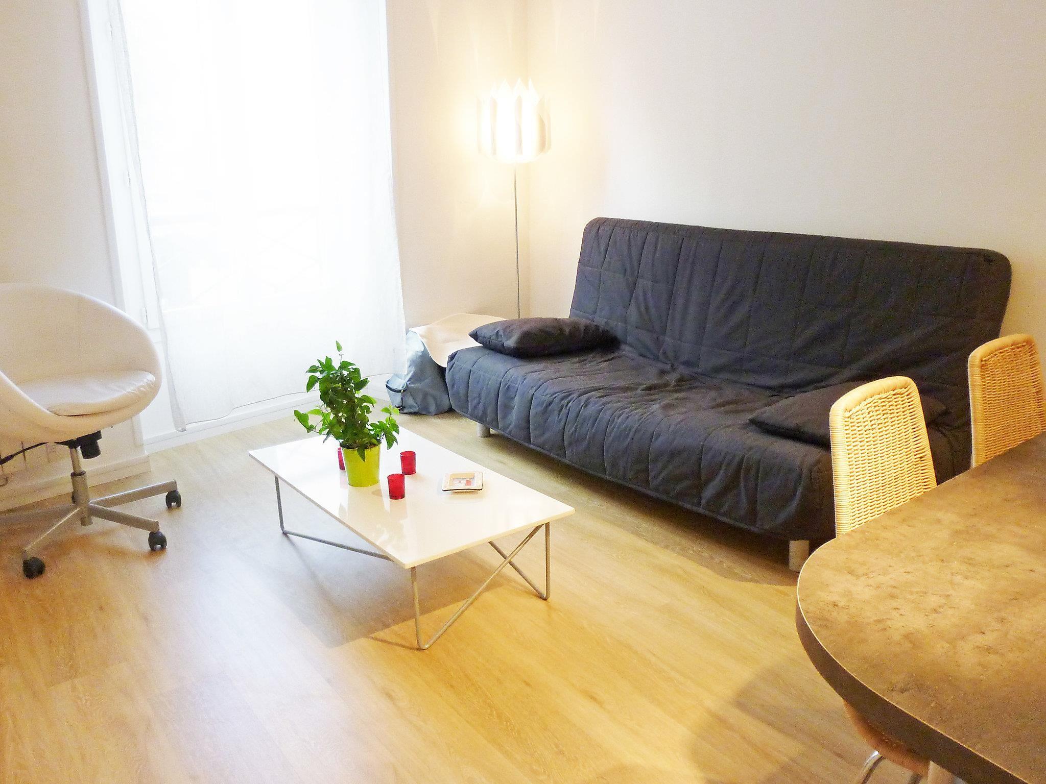 Apartment Bis rue Geoffroy Saint Hilaire Paris Paris, France