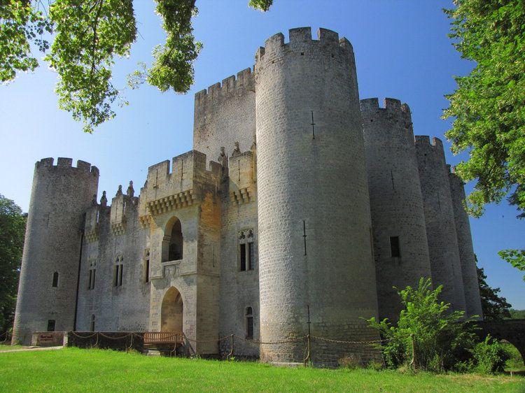 Le Chateau De Roquetaillade Chateau Medieval Chateau Moyen Age Chateau