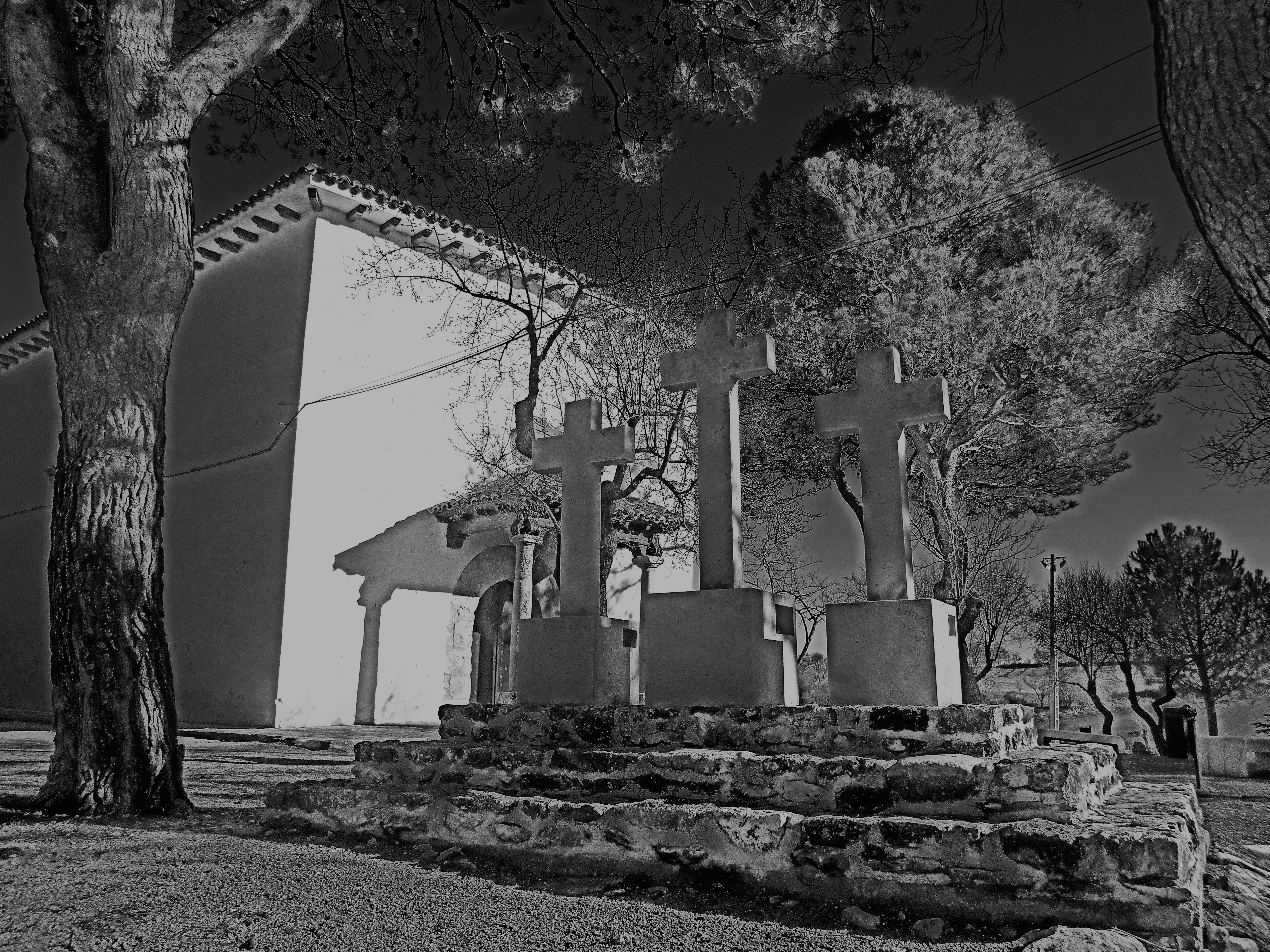 Calvario y Ermita de San Sebastian.