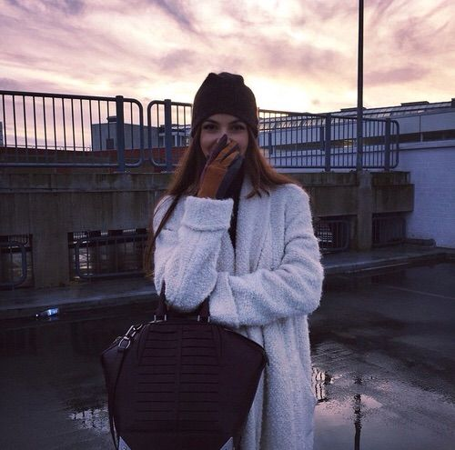 Image via We Heart It https://weheartit.com/entry/152448657 #autumn #bag #black #coat #fall #fashion #hair #love #makeup #outfit #sky #white #winter #neginmirsalehi