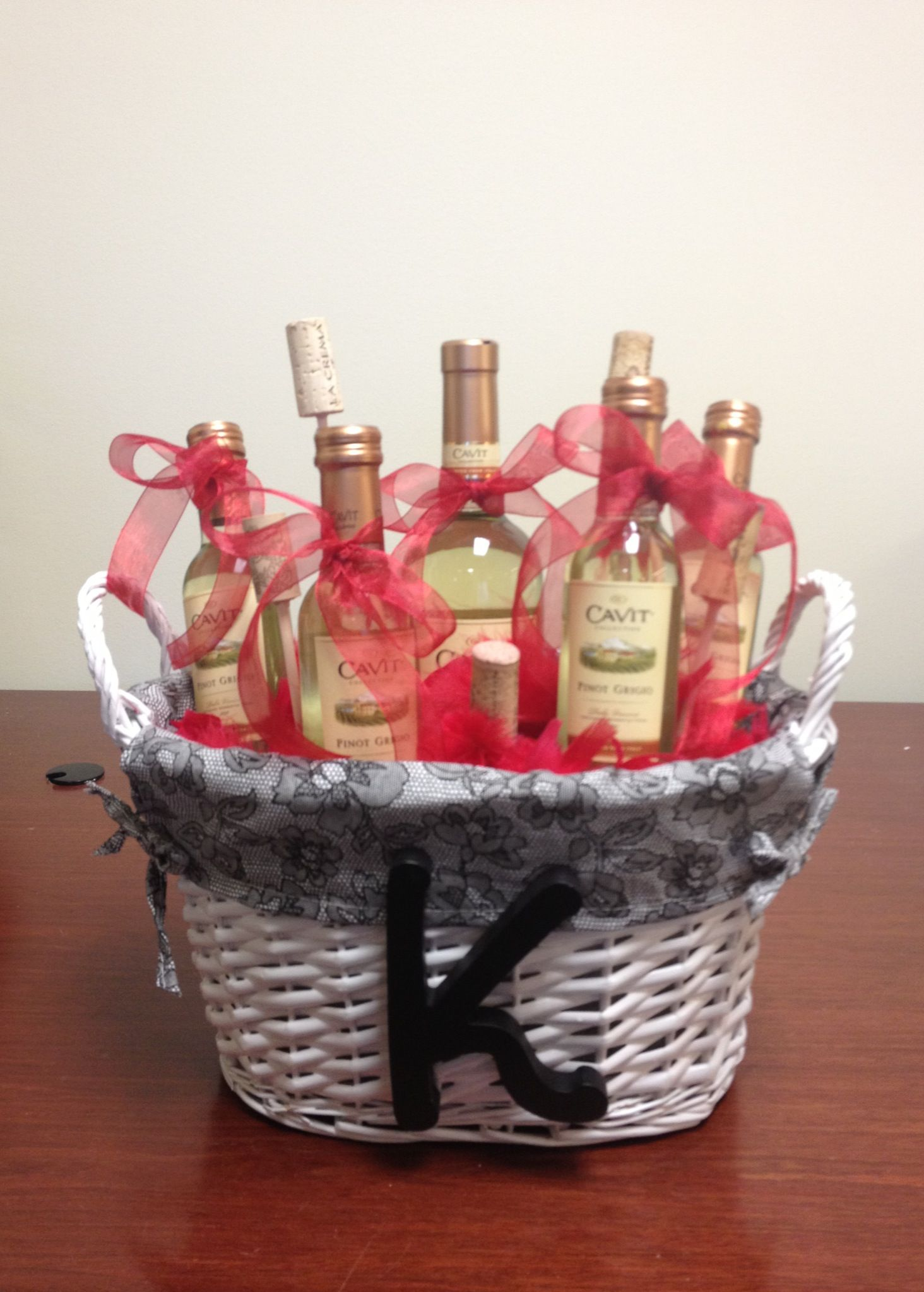 Wine gift basket. Made it for my friend! Diy wine gift