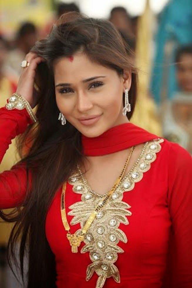 sara khan 2016