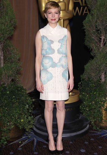 Michelle Williams con vestido de la colección Victoria, de Victoria Beckham Spring 2012.