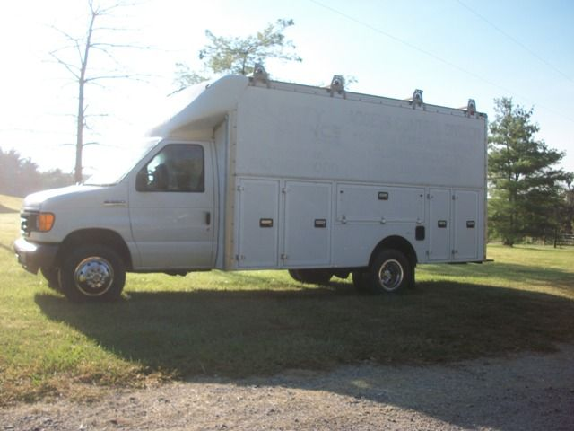 For Sale~2006 Ford E-350 14ft  Spartan Cutaway Utility Van