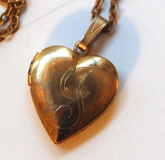 Vintage Heart Locket Necklace Small Locket by MidwestAtticTreasure