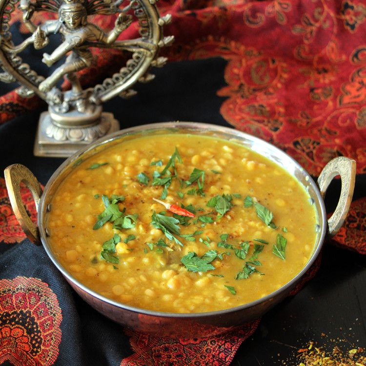 Wie du entspannt und schnell nach Indien reist? Indem du dir würzig-cremiges Chana Dal kochst. Oder dank Slow Cooker einfach kochen lässt!