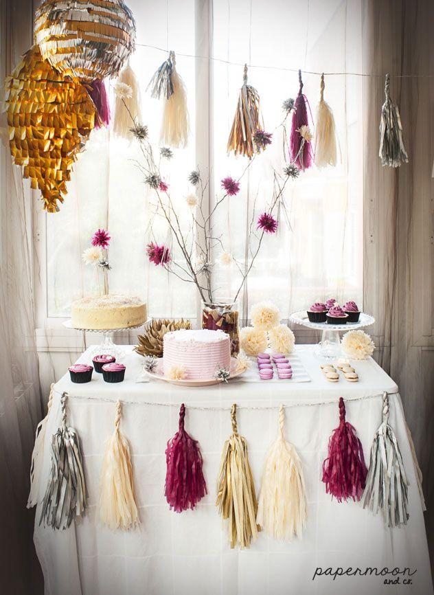 Decoraci n mesa dulce con guirnaldas de flecos rama con for Decoracion con papel