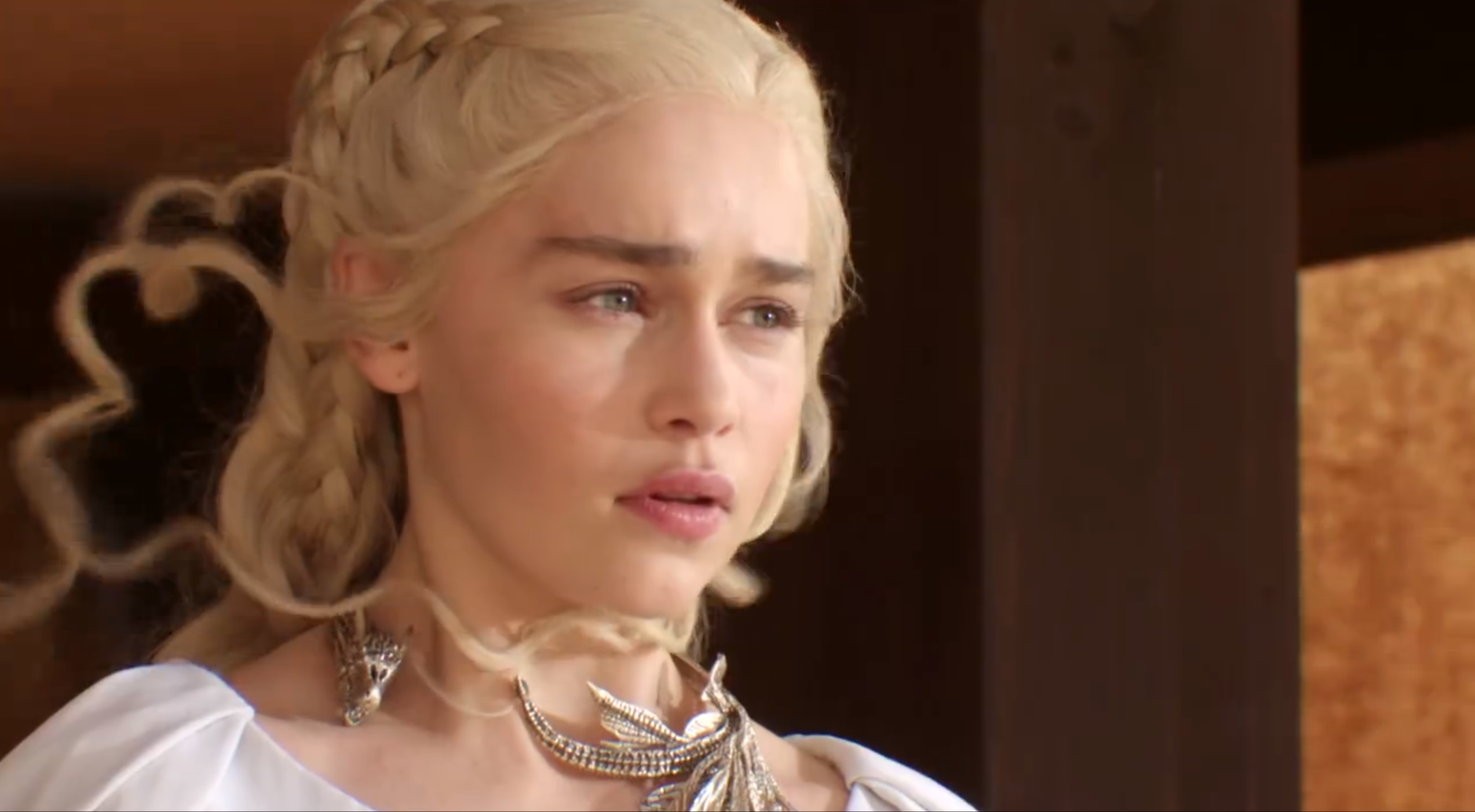 Daenerys targaryen season 5 closer look at the dragon for Daenerys jewelry season 7