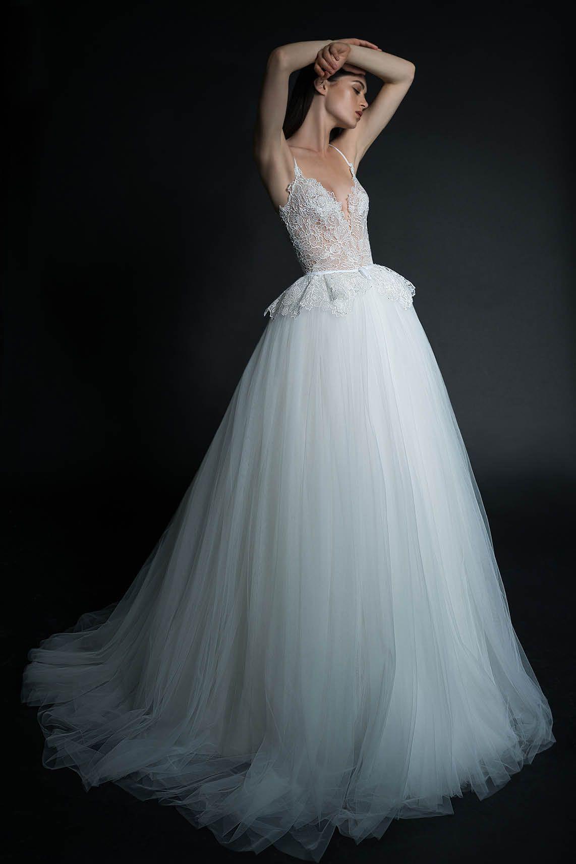 Pure by Inbal Dror la collezione sposa per esaudire i tuoi sogni - Cira Lombardo  Abiti f34a841bf29