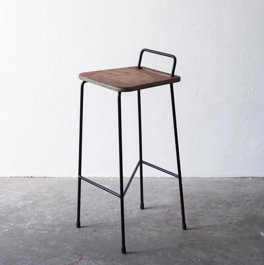 """Instagram post by B O O B A M • Sep 26, 2016 at 1130am UTC is part of Iron furniture - 566 Likes, 10 Comments  B O O B A M (@ boobam ) on Instagram """"A T44 combina o artesanal e o industrial  Seu último lançamento foi a Banqueta Zara, com estrutura…"""""""