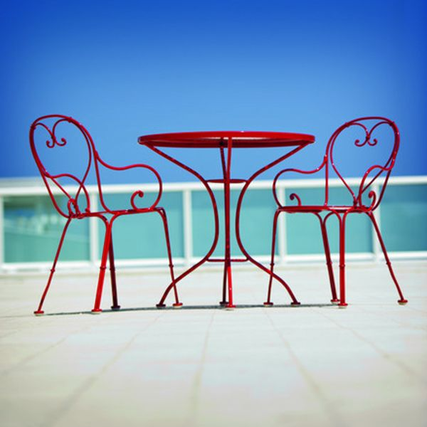 wrought iron patio furniture inspired by the cafe seating found in