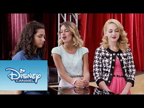 42 Las Chicas Cantan Crecimos Juntos Momento Musical Violetta Youtube Disney Channel Youtube Maria