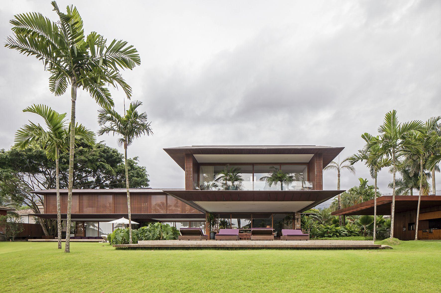 Jaq bernardes arquitetura house ideas bernardes for Casa moderna hampton hickory