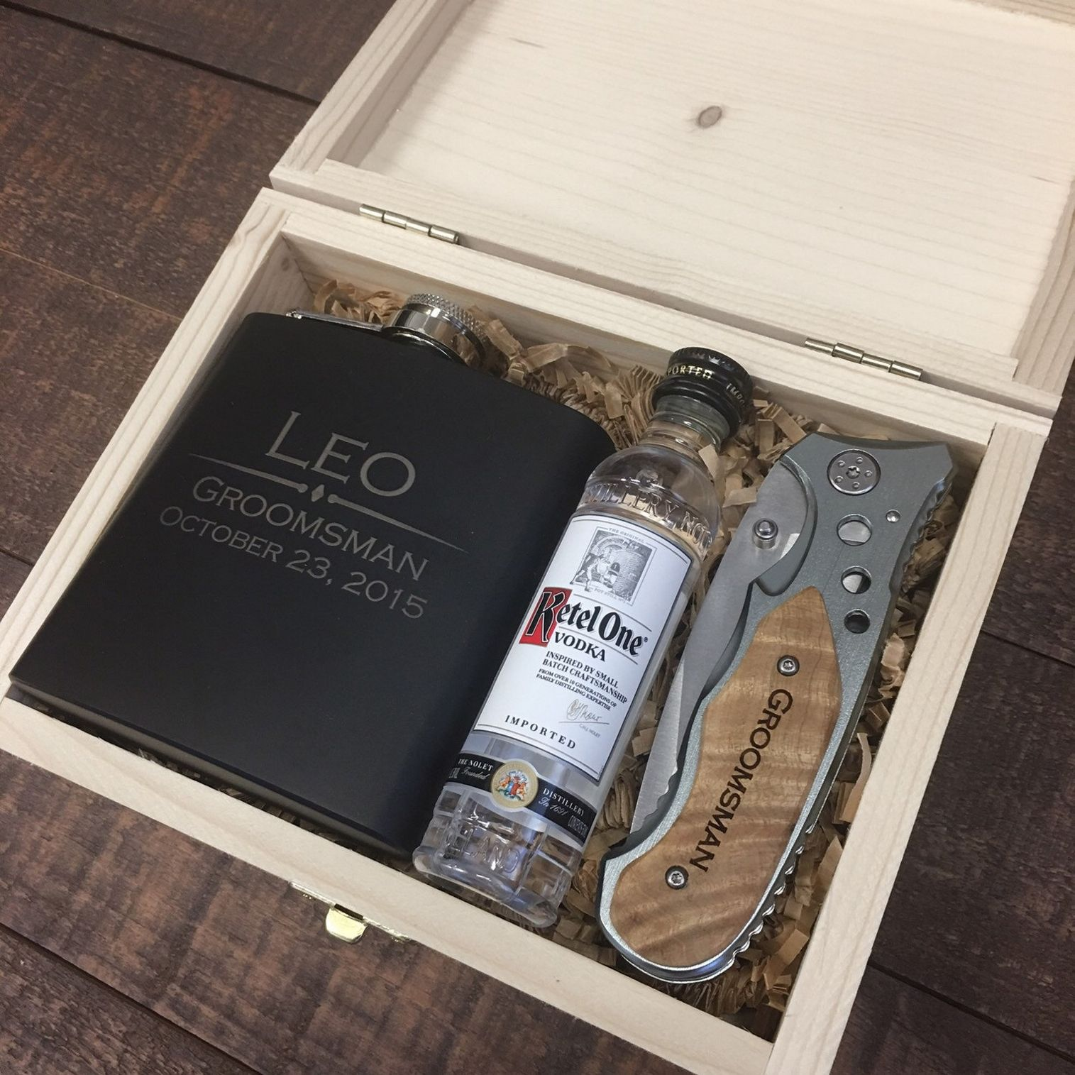 Unique Groomsmen Gifts Ideas https://bridalore.com/2017/06/02/unique-groomsmen-gifts-ideas/