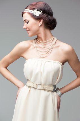 Braut haarband frisur  Braut im 20ies Look mit Haarband | Braut-Accessoires | Pinterest ...