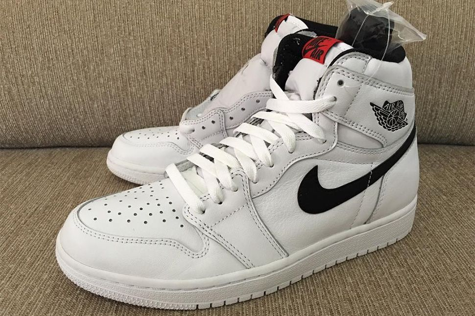 5e1fe76c6f96a0 Air Jordan 1 Retro High OG to Release in Two Black White Colorways - EU  Kicks  Sneaker Magazine