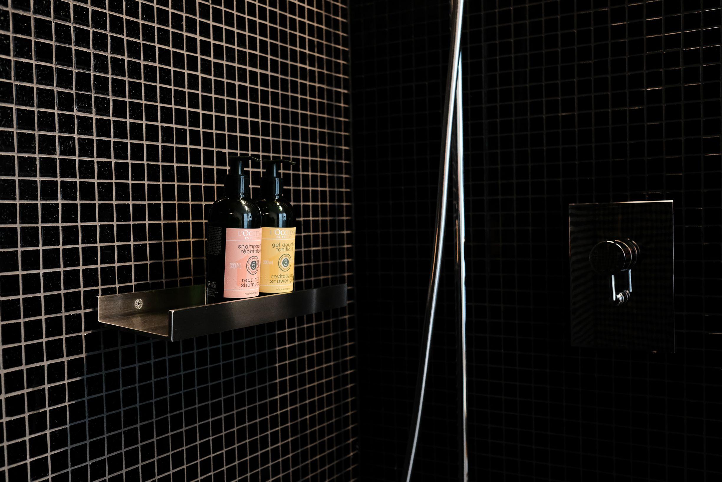 Ablage Dusche Gasanlage, Dusche
