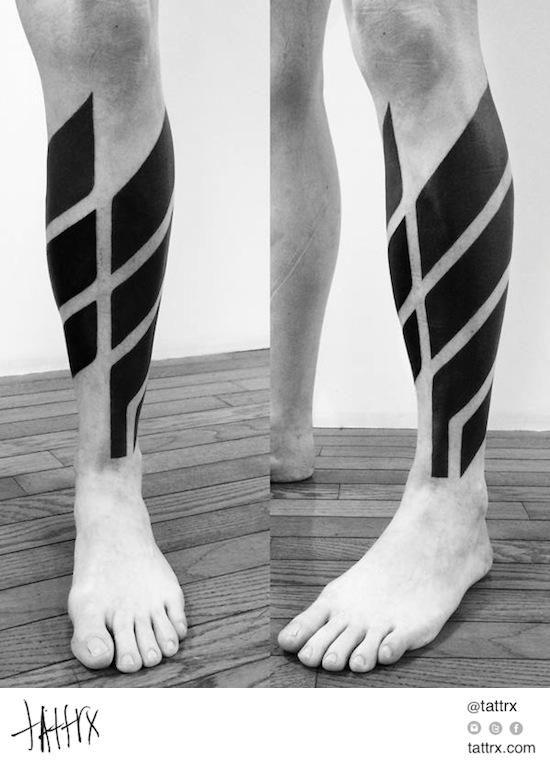 Tatouage Tattoo Blackwork Idea Galerie 232 Jpg 550 762 Tatuajes Pierna Tatuajes Pierna Hombre Tatuaje De Blackwork