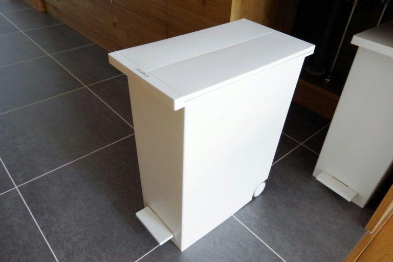 キッチンごみ箱のおすすめ置き場所 新築だからできる収納方法を紹介 リノベと暮らしとインテリア 2020 キッチン ゴミ箱 おしゃれ キッチン キッチン ゴミ箱 収納